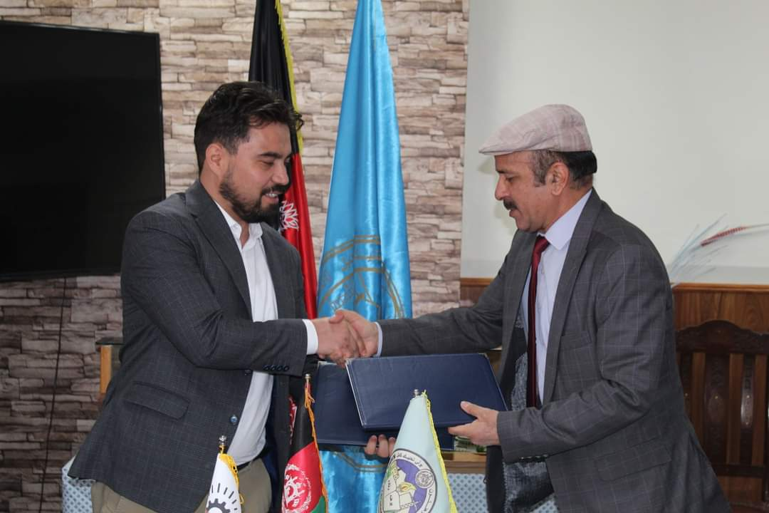 Signing a Memorandum of Understanding between Kabul Polytechnic University and the Young Thinkers Association